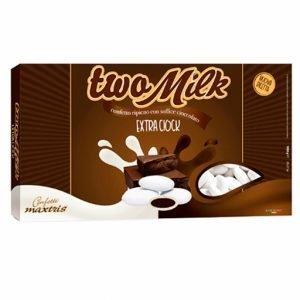 Confetti bianchi two milk extraciock Maxtris con anima di cioccolato fondente avvolta da cioccolato bianco,ricoperta da un sottilissimo strato di zucchero. Prodotto senza glutine. Confezione da 1 kg, circa 180 pezzi.