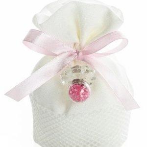 Sacchettino battesimo bimba con ciuccio realizzato in vetro fatto a mano. All'interno del ciuccio sono presenti cristalli swarovsky colore rosa. Il sacchettino è realizzato in cotone bianco con chiusura nastrino in raso. In ogni sacchetto sono inclusi 5 confetti.