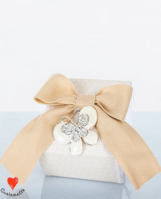 scatolina portaconfetti farfalla cuorematto