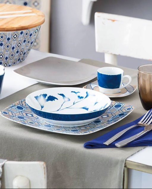 Servizio di piatti Flower Face Tognana realizzati in porcellana. Servizio composto da 18 pezzi, utilizzabili in microonde e lavabili in lavastoviglie