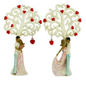 Bomboniera matrimonio Coppia sposi con albero della vita decorata con cuori realizzata in resina. Assortiti in due varianti come dimostrato in foto.