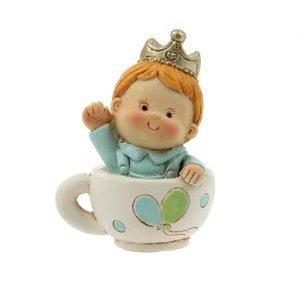 Bomboniera nascita bambino in tazza. La bomboniera è realizzata in resina. Questo graziosa bomboniera è ideale per : nascita, battesimo, compleanno.