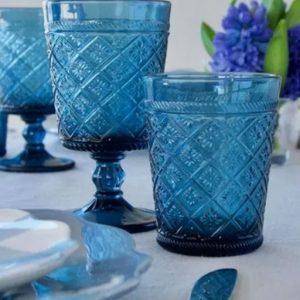 Bicchieri calice blu realizzati in vetro della linea Gloria di Tognana