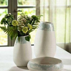 Vaso in ceramica Andrea Fontebasso. Per uno stile elegante e raffinato. Ottimo per aggiungere un tocco decorativo all'arredo di qualsiasi stanza.