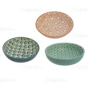 Ciotole da cucina realizzate in ceramica. Decorate e assortite in tre modelli. Queste belle ciotole doneranno un tocco di vivacità alla vostra tavola.