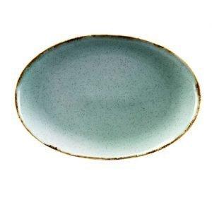 Piatto ovale piano Tognana di qualità particolarmente robusta, ideale per l'uso quotidiano. Con il suo design originale di colore azzurro, è ottimo come vassoio, piatto da portata, per impreziosire i propri piatti. Utilizzabile in lavastoviglie e microonde.