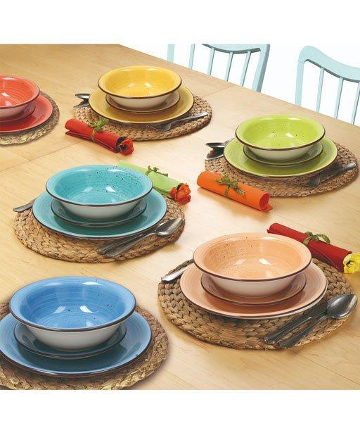 Servizio piatti Art & Pepper multicolor Tognana realizzati in ceramica. Servizio composto da 18 pezzi: 6 piatti piani (diametro 27 cm), 6 piatti fondi (21 cm), 6 piatti dessert (19 cm). Utilizzabili in microonde, lavabili in lavastoviglie.