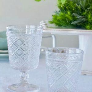 Set bicchieri acqua - vino realizzati in vetro. Bicchieri appartenenti alla linea Gloria di Tognana è la scelta giusta per una tavola ricercata ed elegante, con le sue trasparenze delicate, con eleganti decori geometrici.