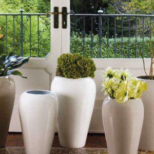 Vaso Glossy in ceramica Andrea Fontebasso della linea Cer-Amica Questo vaso dal colore sabbia lucido renderà i vostri ambienti casalinghi più interessanti, glamour e soprattutto, ricchi di colori.