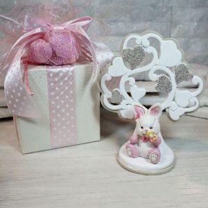 Albero della vita con coniglietto rosa, decorato con cuori. Bomboniera ideale per nascita, battesimo, compleanno. Nuova collezione 2019.