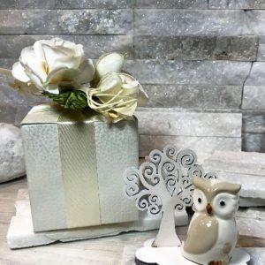 Bomboniera albero della vita con gufetto, albero realizzato in legno, gufetto in porcellana. Ideale per realizzare la tua bomboniera originale comunione, cresima.