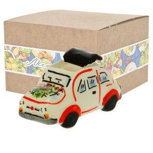Bomboniera auto splendido modellino realizzato in ceramica decorata dipinta a mano. Compreso nel prezzo vi regaliamo la scatolina.
