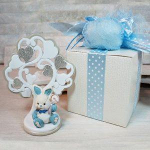 Albero della vita con coniglietto cielo, decorato con cuori. Bomboniera ideale per nascita, battesimo, compleanno. Nuova collezione 2019.