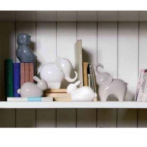Coniglio Andrea Fontebasso disponibili in due colori: bianco, beige. Realizzabili come bomboniera o per impreziosire la tavola con eleganza e freschezza per le tue serate speciali!