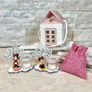 Bomboniera battesimo minnie con albero portapensieri. Minnie assortita in due modelli come illustrato in foto. Adatto per bomboniere battesimo, nascita, compleanno e per splendide confettate.