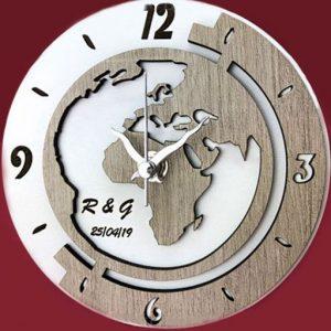 Orologio mappamondo personalizzabile realizzato in legno