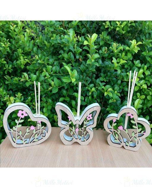 Profumatori Farfalla Fiore Cuore realizzati in legno. I profumatori farfalla sono perfetti per ogni ambiente,scegli la confezione completa e vi arriveranno completi di scatola abbinata, bastoncini per la diffusione del profumo e bottiglietta profumo