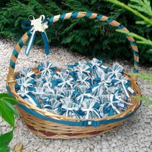 Sacchetto Albero della vita realizzato in acciaio lucido. Sacchetto realizzato in tessuto rigato colore verde petrolio.