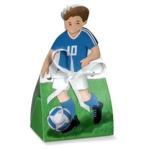 Scatolina portaconfetti calcio in maglia azzurra numero 10 realizzata in cartoncino.