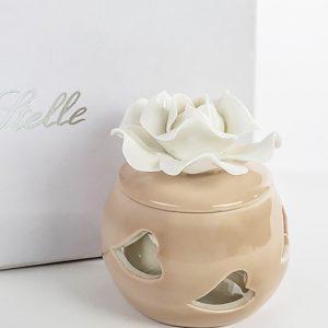 Bomboniera scatolina cuori realizzata in porcellana con decori a cuori