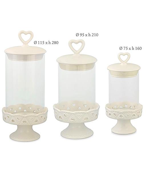 Alzata portaconfetticiascunaalzatina in vetro è dotata di un coperchio in ceramica ermetico, decorato da un pomello a cuore