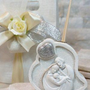 Profumatore cuore Sacra Famiglia realizzato in resina. Una bomboniera dallo stile unico importante per mantenere vivo negli invitati il ricordo del giorno più importante della vostra vita.