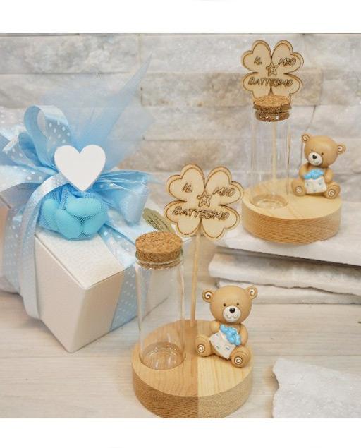 Portaconfetti orsetto cielo realizzato con base in legno, ed tubicino in vetro. Prodotto assortito come illustrato in foto.