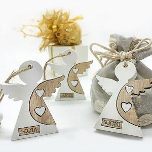 Angioletti in legnocon appendino per realizzareconfettate comunione, bomboniere battesimo economiche o pensierini natalizi.