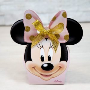 Scatolina portaconfetti Disney Minnie realizzata in cartoncino rigido bianco e rosa. Sul lato frontale è disegnata una tenerissima Minnie con decori glitterati oro.