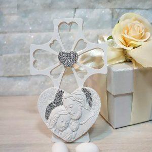 Bomboniera Croce Cuore Sacra famiglia, realizzata in polvere di marmo. Bellissimo significato di amore vita e famiglia, ideale per lasciare un ricordo indelebile nei vostri invitati