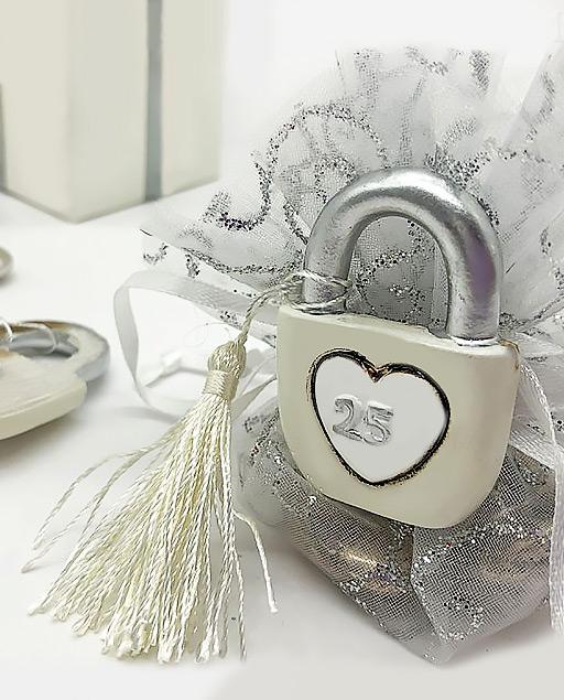Bomboniere Per 25 Matrimonio.Bomboniera 25 Anni Anniversario Matrimonio Con Magnete Millemotivi