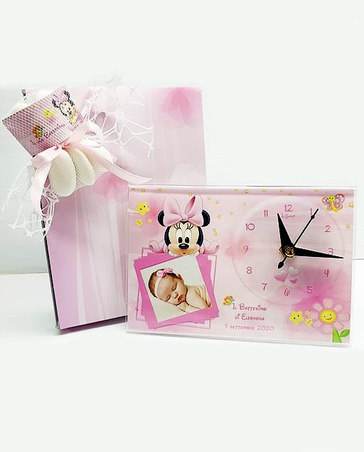 Orologio minnie Disney. Personalizzabilecon il vostro nome, o frase. Adatto per bomboniere battesimo, nascita, compleanno. Una bomboniera unica ed originale.
